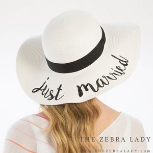 Just Married | Embroidered Sun Hat White